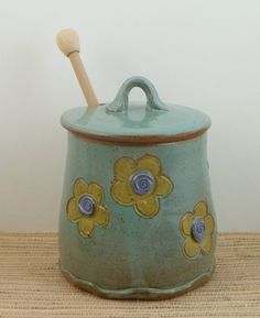 I've been wanting one of these Honey pots