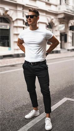 15 Really nice white t-shirt outfits! – Mr Streetwear Magazine - New Site Mode Masculine, Smart Casual Menswear, Men Casual, Casual Styles, Streetwear Magazine, Style Tumblr, Men's Fashion, Fashion Outfits, Herren Outfit