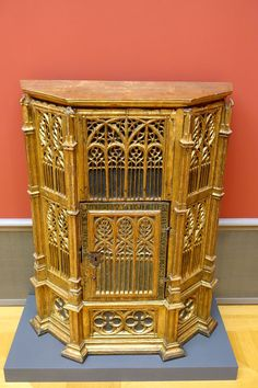 Gothic tabernacle Renaissance Furniture, Gothic Furniture, European Furniture, Furniture Design, Furniture Ideas, Bode Museum, Berlin Museum, 15th Century, Fasion