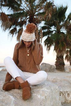 pull serena Sézane - www.CHONANDCHON.COM Asos, Bronze, Ugg, Winter Hats, Dressing, Cozy, Knitting, My Style, Fashion