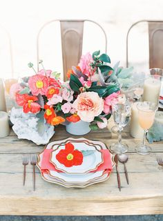 Blush + coral table accents: http://www.stylemepretty.com/little-black-book-blog/2016/05/13/engagement-rings-chic-competition/ | Photography: Oliver Fly Photography - http://oliverfly.com/