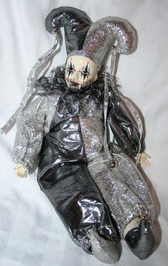 Brinn's Collectible Edition Porcelain Musical Jester Clown Doll Silver Harlequin