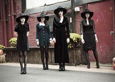 The Black Belles - Photo by Joshua Black Wilkins Witch Fashion, Dark Fashion, Gothic Fashion, Glam Rock, Estilo Rock, Modern Witch, Witch Aesthetic, Nu Goth, Coven