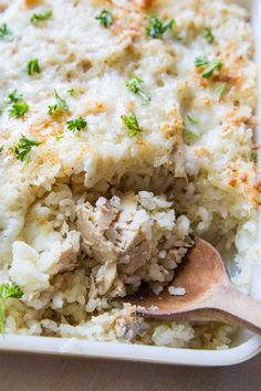 Tuna rice casserole is an easy cheesy lightened up casserole perfect for those who love tuna noodle casserole or tuna melts. Tuna Rice Casserole, Healthy Casserole Recipes, Rice Recipes, Casserole Dishes, Easy Recipes, Healthy Tuna Recipes, Tuna Fish Recipes, Canned Tuna Recipes, Healthy Food