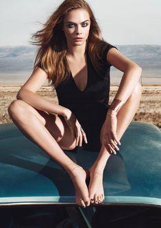 Cara Delevingne – Feet of the Fabulous Cara Delevingne, Victoria Secret, Actress Feet, Pose, Ysl Beauty, Barefoot Girls, Celebs, Celebrities, Celebrity Feet