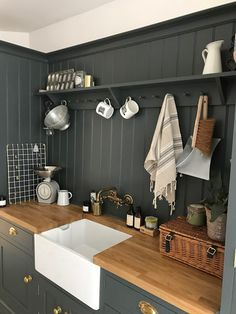 The Secrets Of Small Kitchen Design Cottage Kitchens, Modern Farmhouse Kitchens, Home Kitchens, Cottage Kitchen Shelves, Wooden Kitchens, Small Cottage Kitchen, Farmhouse Sinks, Outdoor Kitchens, New Kitchen