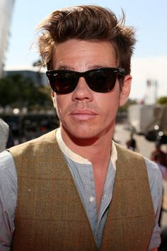 okay, as much as I dislike the band Fun, I can still admit that Nate Ruess is pretty adorable (he's got great style!)