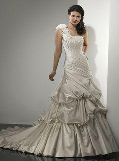Charming one shoulder sleeveless satin wedding dress