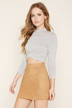 ¡Cómpralo ya!. Mock Neck Twisted Crop Top. details   A stretch knit crop top with a mock neckline, 3/4 sleeves, and a twisted front hem.  Content + Care   - 95% rayon, 5% spandex- Hand wash cold- Made in China  Size + Fit  - Model is 5'9.5%22 and wearing a Small- Full length: 15%22- Chest: 28.5%22- Waist: 26.5%22- Sleeve length: 17.5%22 , topcorto, croptops, croptop, croptops, croptop, topcrop, topscrops, cropped, topbailarina, corto, camisolacorta, crop, croppedt-shirt, kurzestop…