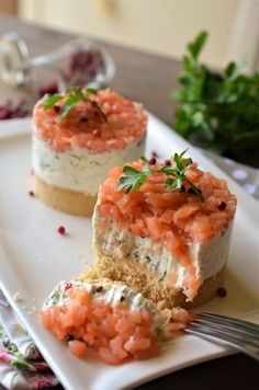 Cheesecake sarat - Retete culinare by Teo's Kitchen Sushi, Cheesecake Recipes, Cheesecakes, Salmon Burgers, Food And Drink, Cooking Recipes, Ice Cream, Ethnic Recipes, Kitchen