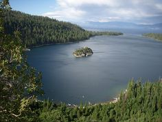 Emerald Bay / http://www.sleeptahoe.com/emerald-bay-72/