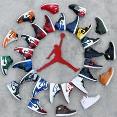 I want to have shoes like these because they look nice and feel comfortable Sneakers Wallpaper, Shoes Wallpaper, Nike Wallpaper, Retro Wallpaper, Sneakers Fashion, Shoes Sneakers, Adidas Shoes, Zapatillas Jordan Retro, Jordan Shoes Girls