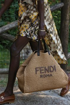 All the Bags from the Fendi Mens Spring 2020 Show Fendi Scarf, Fendi Tote, Fendi Dress, Fendi Bags, Burlap Bags, Jute Bags, Luxury Girl, Summer Bags, Spring Summer