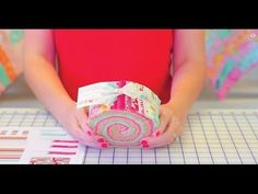 The Dresden Sunburst Quilt: Easy Quilting Tutorial with Jenny Doan of Missouri Star Quilt Co - YouTube