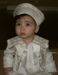 Mongomery Boys Little Lord Fontleroy style all in one. Ivory pure silk suit with mock jacket and cravat with detailed embroidered collar and Cuffs. This is an all in one romper in silk. Outfit For Christening, Christening Gowns, Silk Suit, Baby Boy Romper, Collar And Cuff, Little Darlings, Baby Boy Outfits, Baby Boys, Special Occasion