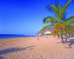 Playa Las Teresitas in Santa Cruz