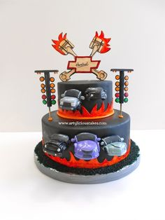 drag race cake!! awesome cake except for the big ol bowtie on top. yuck!!!