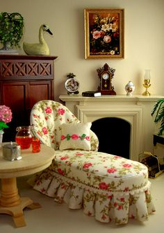 Cozy living room with floral Chaise!