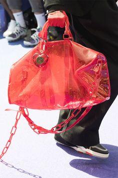 59c2010a75ab66 Como apostar (e o que levar) na bolsa transparente da vez  Donata Meirelles  explica. Virgil Abloh Louis VuittonLeather ...