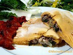 Maisfladen gefüllt mit Pak Choi, Hackfleisch und Schafskäse - korn pancake filled with bok choy, mincemeat and feta