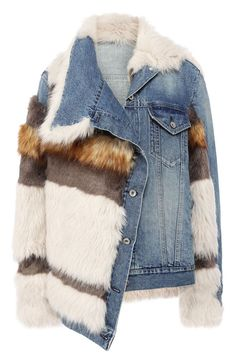 An asymmetrical cut of a blue denim jacket and contrasting inserts are an example of aesthetics typical of Chitose Abe. For the production of things used thick cotton and fluffy eco-fur (from which the decoration is made). All Jeans, Jeans Denim, Ripped Denim, Waisted Denim, Denim Fashion, Look Fashion, Winter Fashion, Denim Jacket With Fur, Fur Jacket