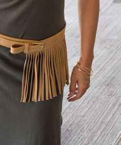 5 Tips for adding boho chic to your wardrobe (without looking like a hippie!) via PrettyPolishedPerfect.com #bohochic #fringe #belts