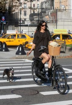"""bikesandgirlsandmacsandstuff:  (via Bike in the City)   """