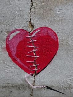 Un coeur brisé se répare... / Street art. - Tap the link to shop on our official online store! You can also join our affiliate and/or rewards programs for FREE!