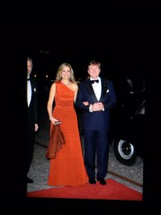 Dutch State Visit to Denmark, Day March Maxima and King Willem-Alexander of the Netherlands. Máxima represented the House of Orange royally, in her deep orange evening dress. Orange Evening Dresses, Orange Dress, Dutch Queen, Royal Families Of Europe, Princess Estelle, Queen Dress, Queen Maxima, Royal Weddings, Bridesmaid Dresses