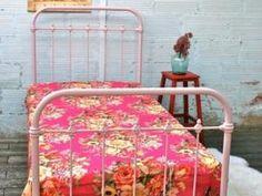 LIT EN MÉTAL ROSE ANCIEN • Hellocoton.fr Cinder rose du nuancier Farrow&Ball