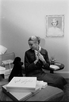 Grace Kelly packing for Monaco