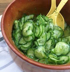 Einfacher Gurkensalat