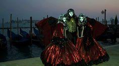 20 de poze cu impresionantul Carnaval de la Venetia 2012.  Vezi mai multe poze pe www.ghiduri-turistice.info  Source : www.flickr.com/photos/coramarco Mai, Wallpaper, Carnival, Italia, Wallpapers