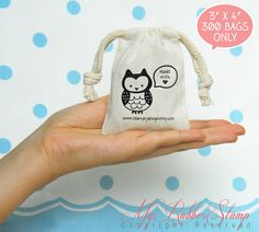 Stamping on muslin bags, easy packaging solution for small business owner =) #myrubberstamp #muslinbag #packaging #stamp