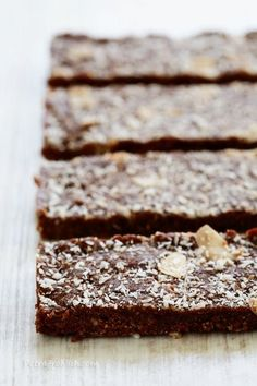 raw no bake date energy bars | 13 Energy Bar Recipes For A Healthy Afternoon Pick Me Up