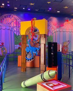 "𝗝𝘂𝗱𝗶 𝗟𝗮𝗽𝗹𝗮𝗻𝘁𝗲 on Instagram: ""Just hangin' around this weekend! . . . #toystorymidwaymania #toystory #toystoryland #disneyshollywoodstudios #waltdisneyworld #pixar…"""