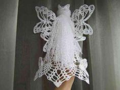 Engel selber häkeln - mit eigenen Händen... Christmas Angels, Xmas, Handmade Soft Toys, Crochet Earrings, Knitting, Crafts, Crochet Angels, Vintage Crochet, Amigurumi Patterns