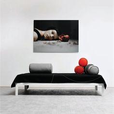 """Кровать: Loop BedБренд: Hay Страна: Дания. 2-спальная кровать из особых стальных профилей — остатков метало-промышленного производства. Отделка — лак / окраска порошковым способом в белый цвет. Первоначально модель была спроектирована и произведена магазином мебели LLLP в Копенгагене в 1980-х гг, но в коллекцию компании HAY добавлена только в 2003 году. В родном городе и получила ласковое имя """"The Copenhagener bed"""" (Кровать копенгагенца). Размеры, см: 30x90/140/160/180x200"""
