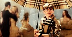 """Burberry With Love: Guarda il video delle festività """"From London with Love"""", con Romeo Beckham"""
