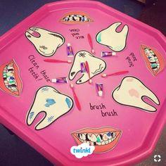 Fantastic tuff tray idea! Encourage children to reflect upon the need to clean their teeth properly and use Twinkl's worksheets to write instructions about how they do it. Visit the Twinkl website to download and discover thousands of teaching resources!   #brushingteeth #teeth #dentist #tufftray #tuffspot #smallworld #eyfs #eyfsideas #earlyyears #teaching #teacher #teachingresources #twinkl #twinklresources #classroomideas #classroominspiration