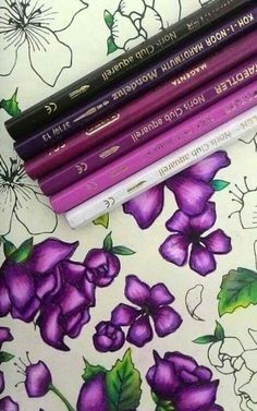 Super book page flowers tutorial beautiful ideas Coloring Tips, Colouring Pages, Adult Coloring Pages, Coloring Books, Colored Pencil Tutorial, Colored Pencil Techniques, Colouring Techniques, Drawing Techniques, Book Page Flowers