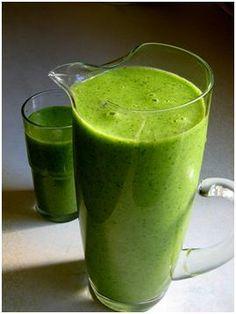 Recept Groene Smoothie met verschillend Fruit. Is het weer tijd voor green power?? Deze groene smoothie zit bomvol goede bouwstoffen.