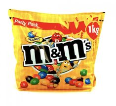 Get creative with M&M colour design and impress your guests with the Peanut M&M's Bulk 1kg bag.  Milk chocolate coated peanuts in a colourful M&M'S shell Flavour: Milk chocolate Colour: Brown, orange, green, blue, yellow, red Peanut M&ms, Blue Yellow, Orange, Soy Lecithin, Snack Recipes, Snacks, Roasted Peanuts, Chocolate Coating, Tree Nuts