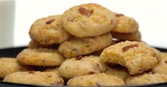Cheddar Bacon Crackers