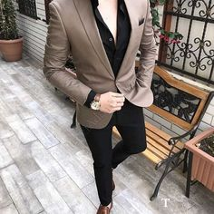 Monopetto uomo in camicie stile italiano slim fit outfits мужской Blazer Outfits Men, Mens Fashion Blazer, Mens Fashion Wear, Stylish Mens Outfits, Suit Fashion, Mens Blazer Styles, Suit Styles For Men, Style For Men, Suit For Men