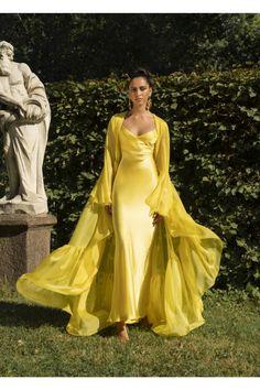 Drapiertes Seidenkleid von Rasario … Drapery silk dress from Rasario … draped silk sheath dress by Rasario # Evening Dresses, Prom Dresses, Formal Dresses, Summer Dresses, Wedding Dresses, Mermaid Dresses, Casual Dresses, Elegant Dresses, Pretty Dresses