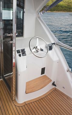 Riviera 75 Enclosed Flybridge - Shaft Drive | Aft Helm