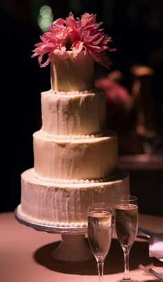 Wedding cake idea; Featured Photographer: Amaranth Photography  www.foreverly.de