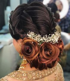 Top 10 Indian Bridal Hairstyles for Girls Wedding Indian Wedding Hairstyles, Party Hairstyles, Bride Hairstyles, Trendy Hairstyles, Bridal Hair Buns, Bridal Hairdo, Hair Pictures, Hairstyles Pictures, Pinterest Hair