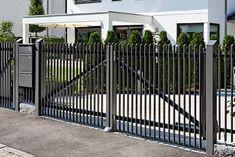 Grill Gate Design, House Gate Design, Door Gate Design, Gate House, Front Gates, Front Fence, Metal Fence, Fence Gate, Aluminum Fence